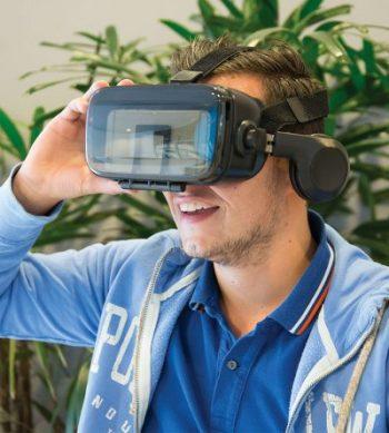 lunettes réalité virtuelle casque audio intégré